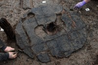 http://sophieaigner.de/files/gimgs/th-59_Archaeologists-work-on-the-Must-Farm-site-near-Peterborough-in-Cambridgeshire.jpg